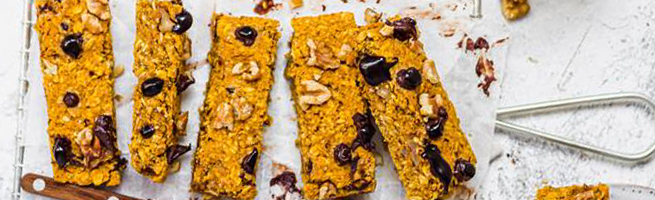 Pumpkin chocolate oat bars