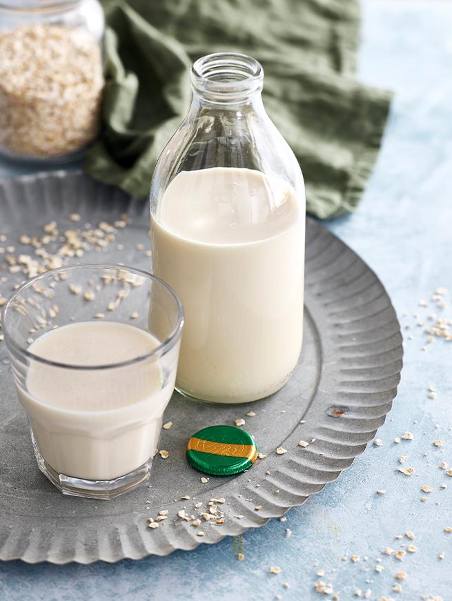 Oato milk alternative