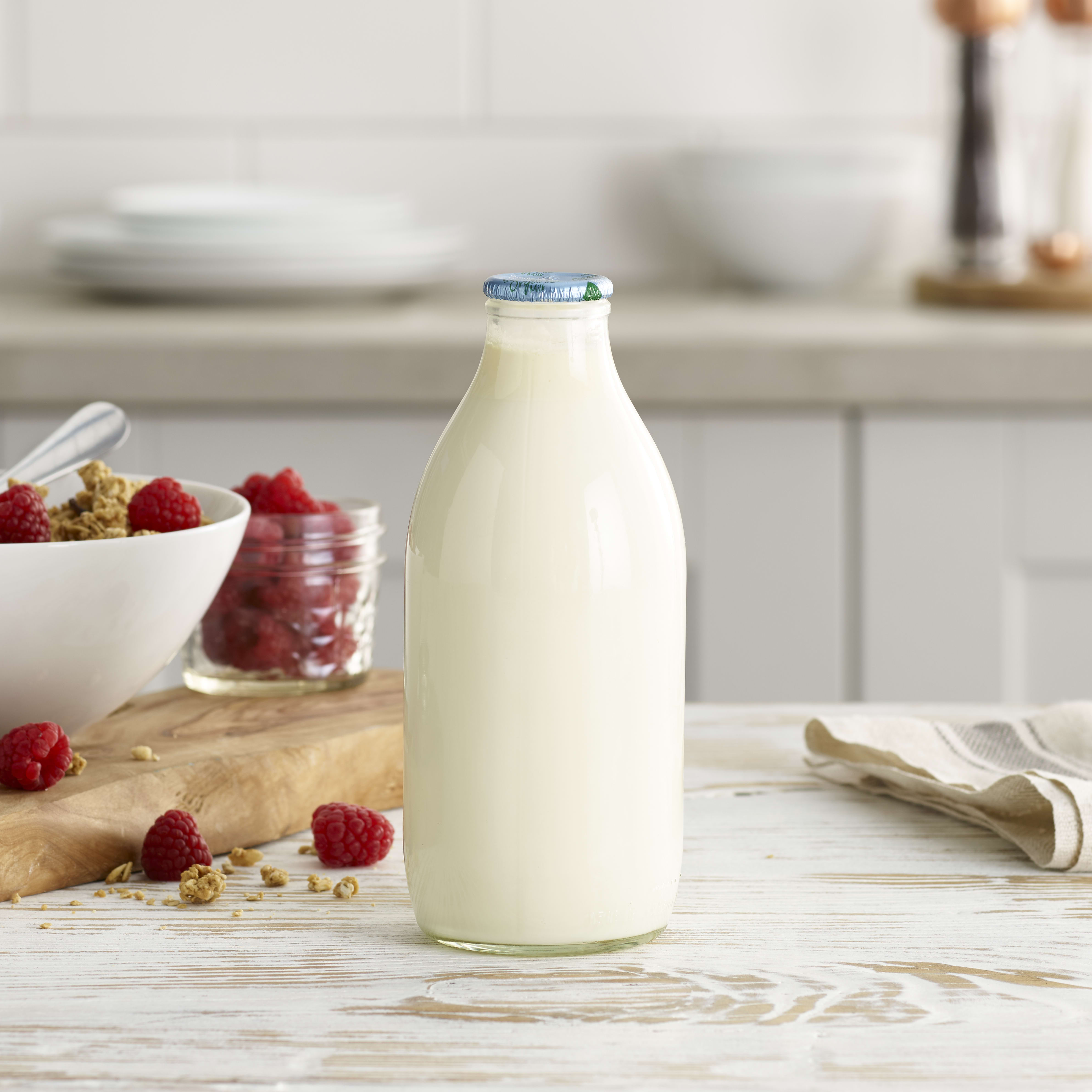 Milk & More Organic Whole Milk in Glass, 568ml, 1pt