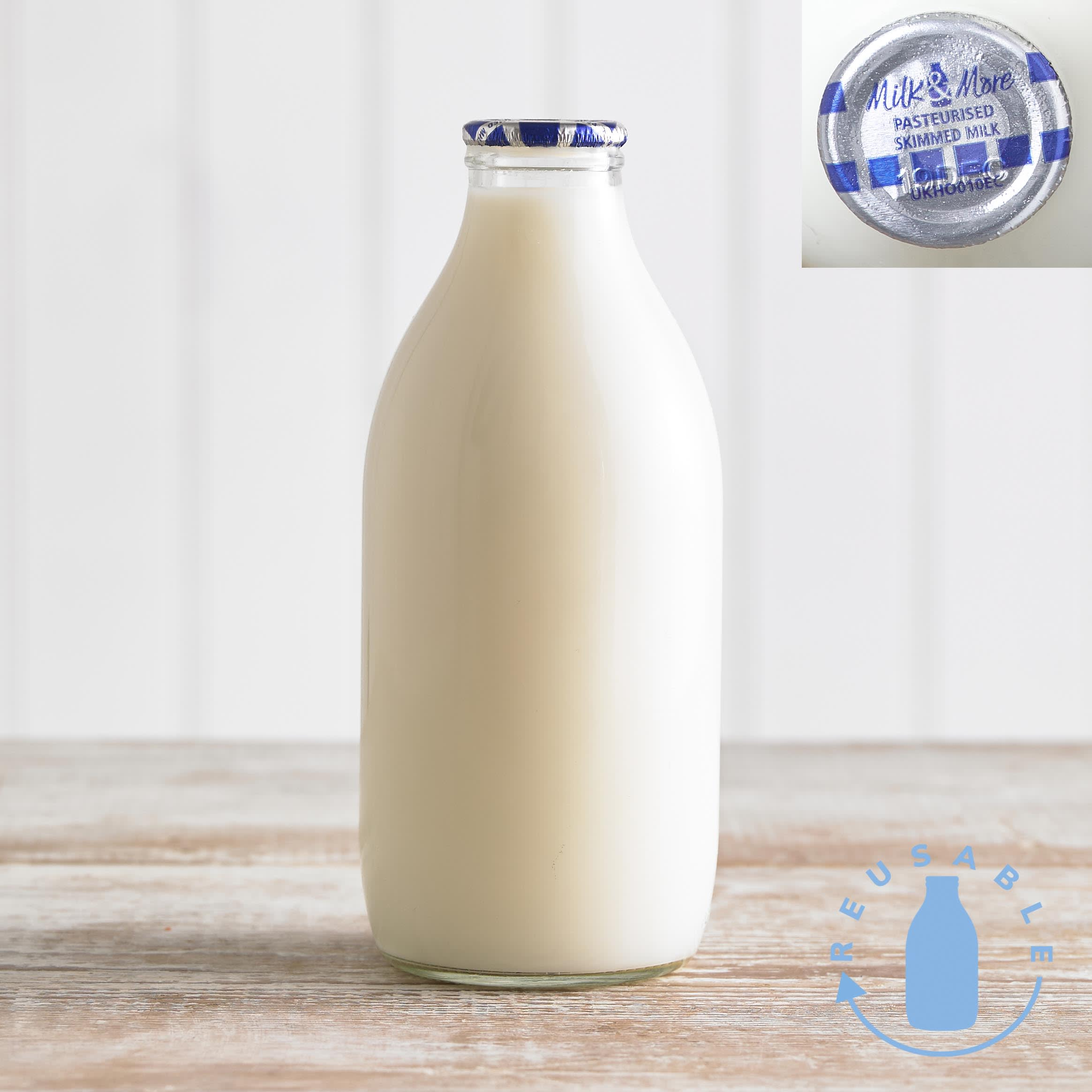 Milk & More Skimmed Milk in Glass, 568ml, 1pt