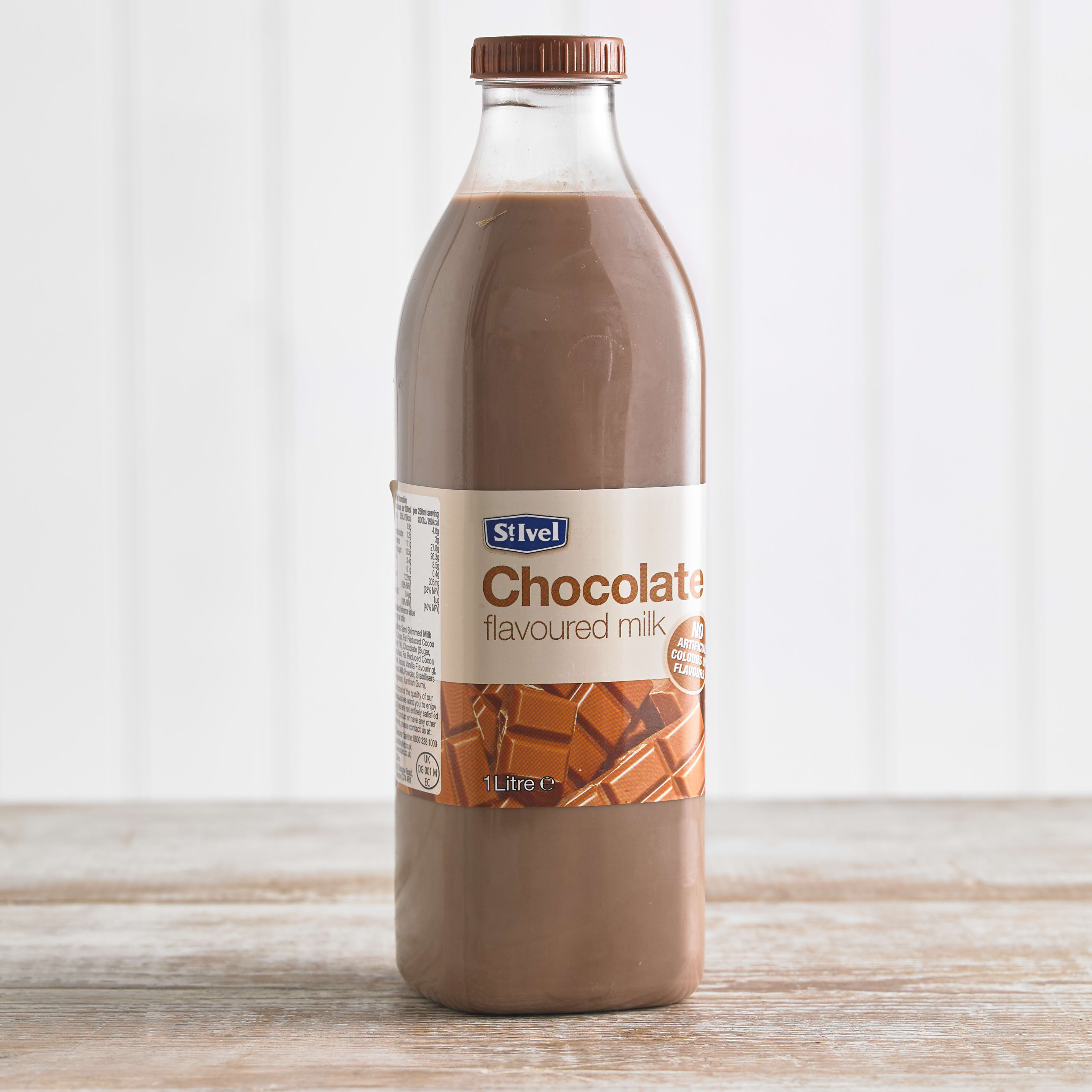St Ivel Flavoured Milk Drink Chocolate, 1L