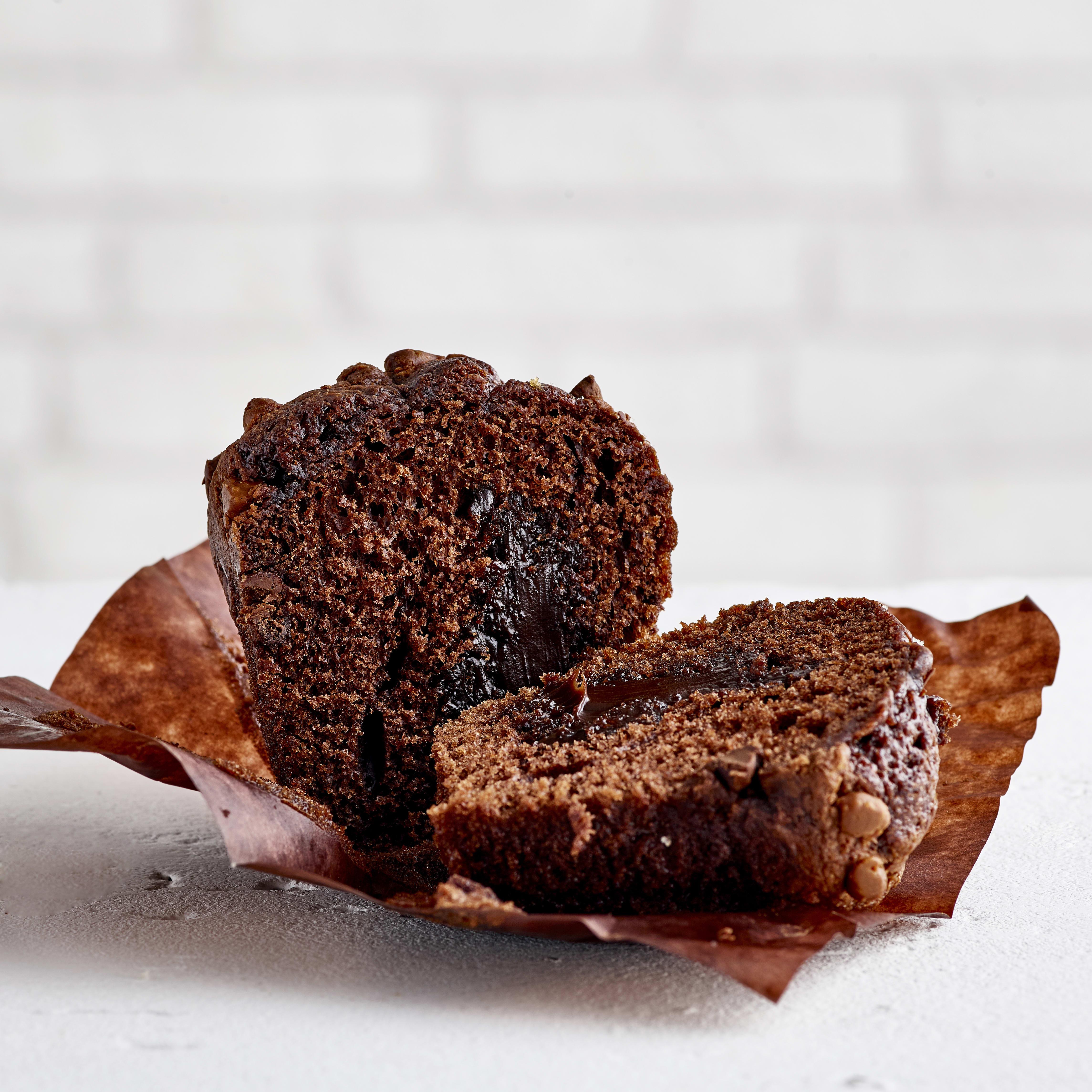 Flower & White Triple Chocolate Muffin, 110g