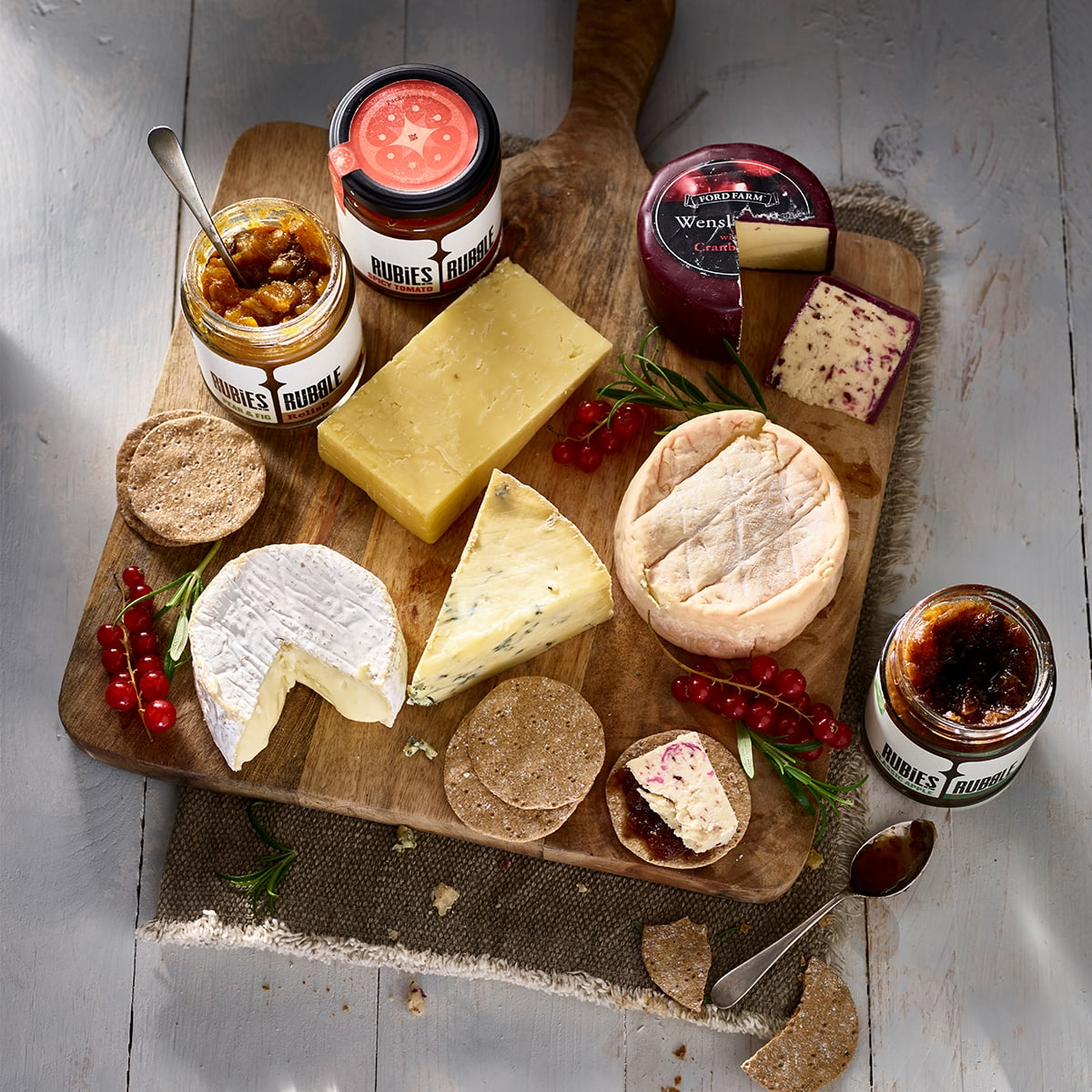 Ultimate Cheese, Crackers & Chutney Collection