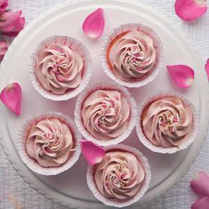 Romantic Valentine's Day Cupcakes
