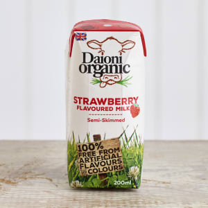 Daioni Organic Strawberry Flavoured Milk, 200ml